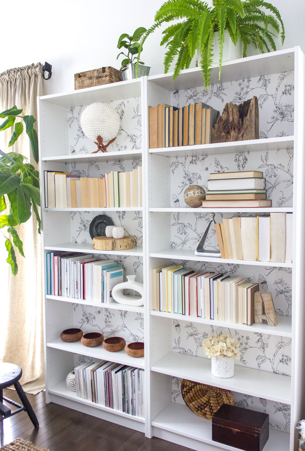 simple method for styling your bookshelf