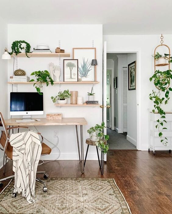 setting up an organized desk space at home