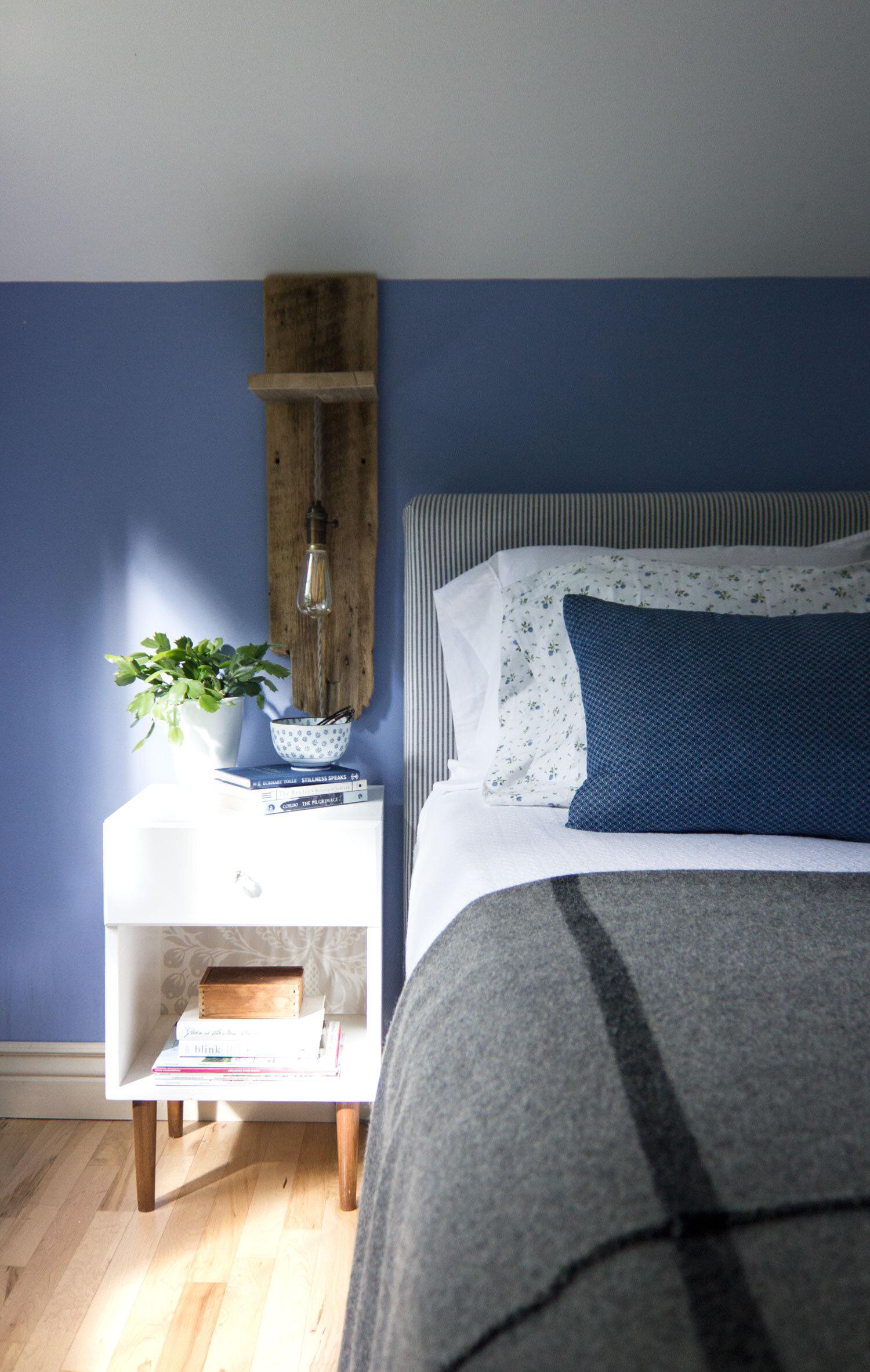 DIY谷仓板卧室灯烛台