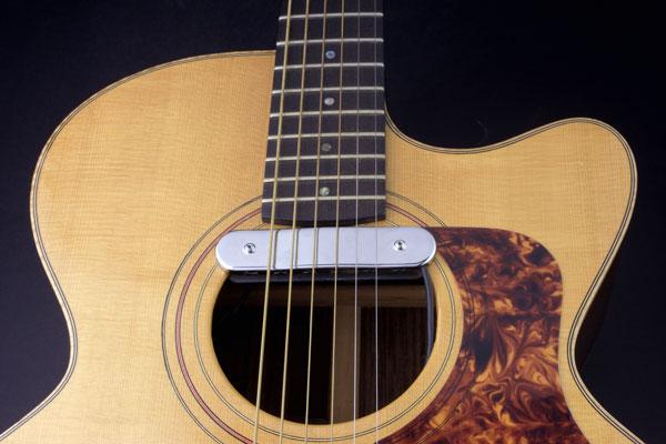 blonde-acoustic-emily-barker