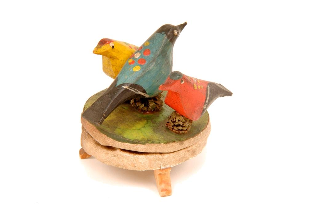 Toy birds (1).jpg
