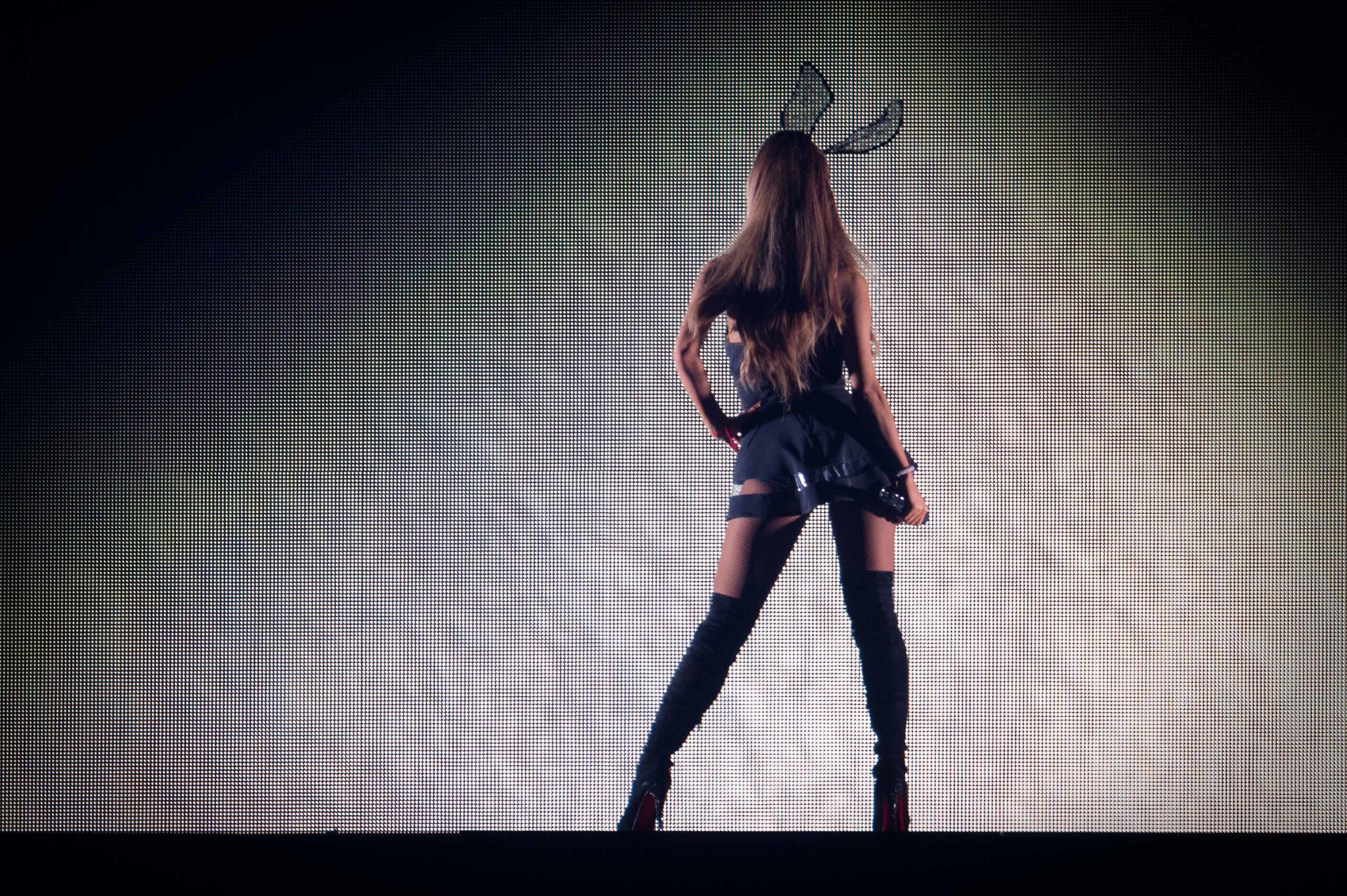 Ariana Grande 2015_0723-1-3.jpg