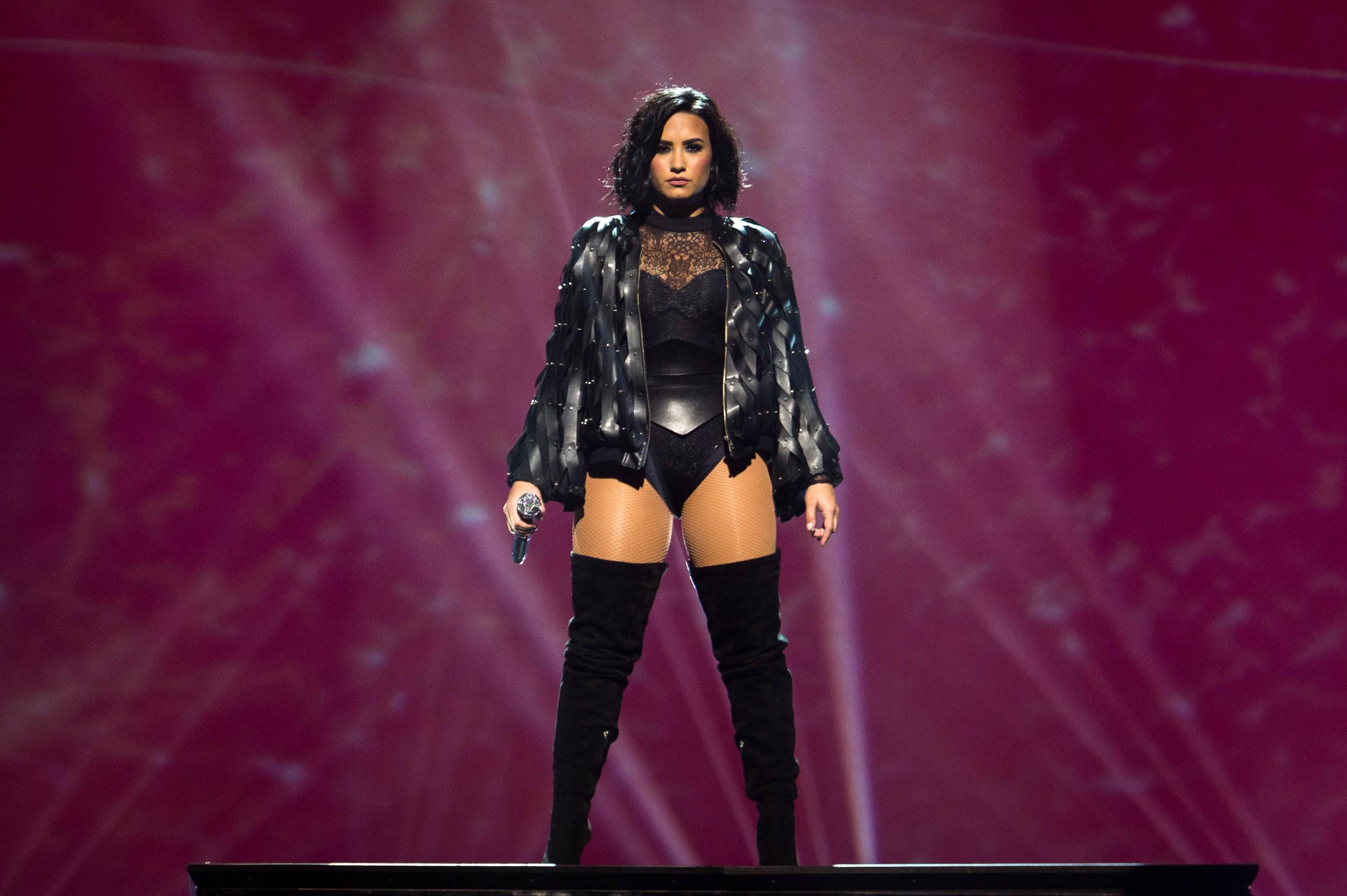 Demi Lovato -3.jpg