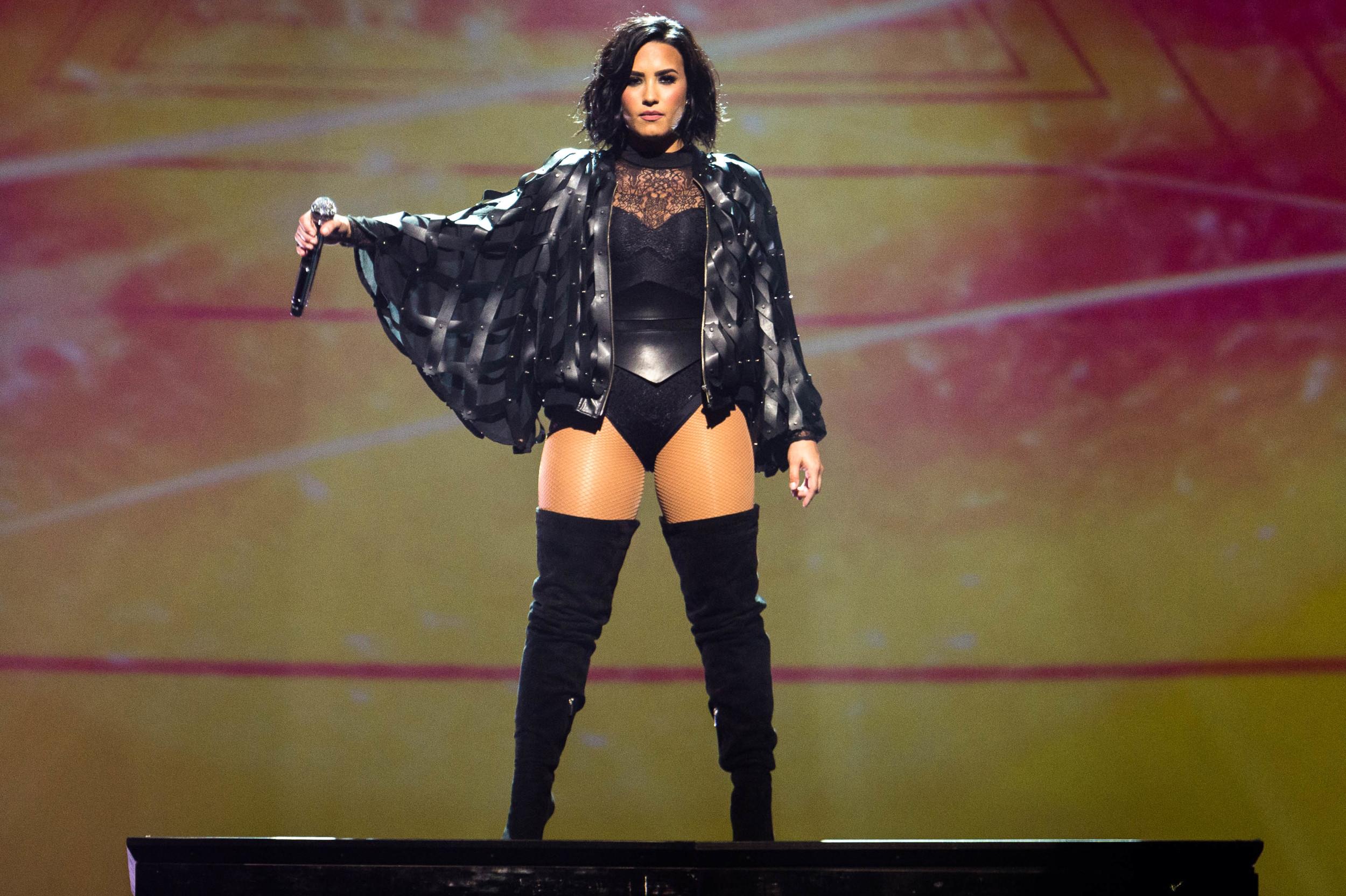 Demi Lovato -4.jpg