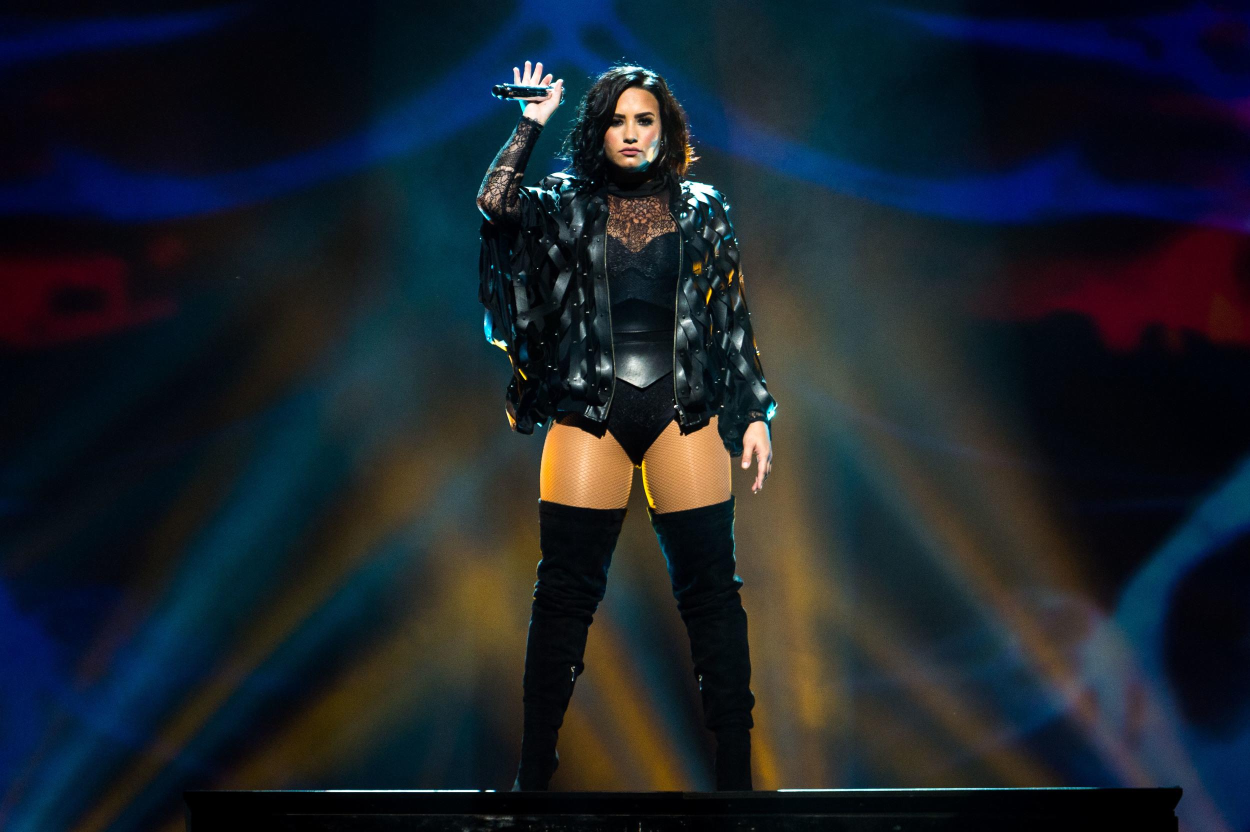 Demi Lovato -8.jpg
