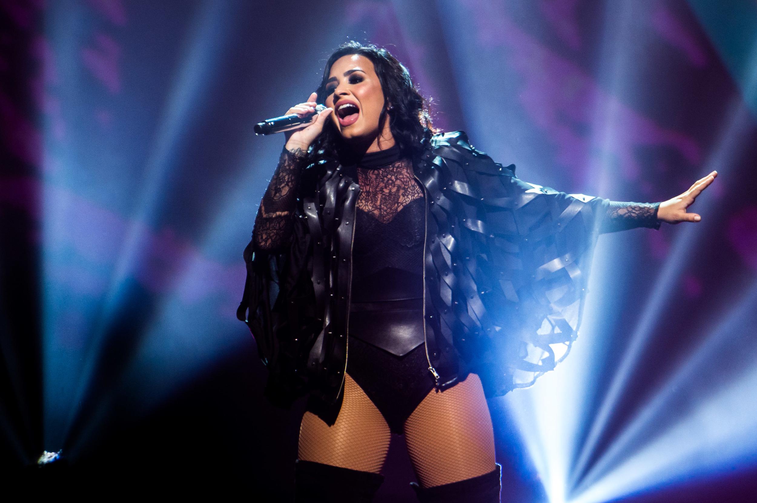 Demi Lovato -9.jpg