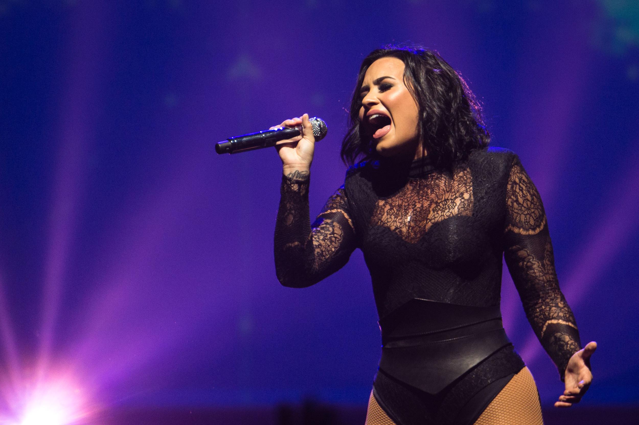 Demi Lovato -13.jpg