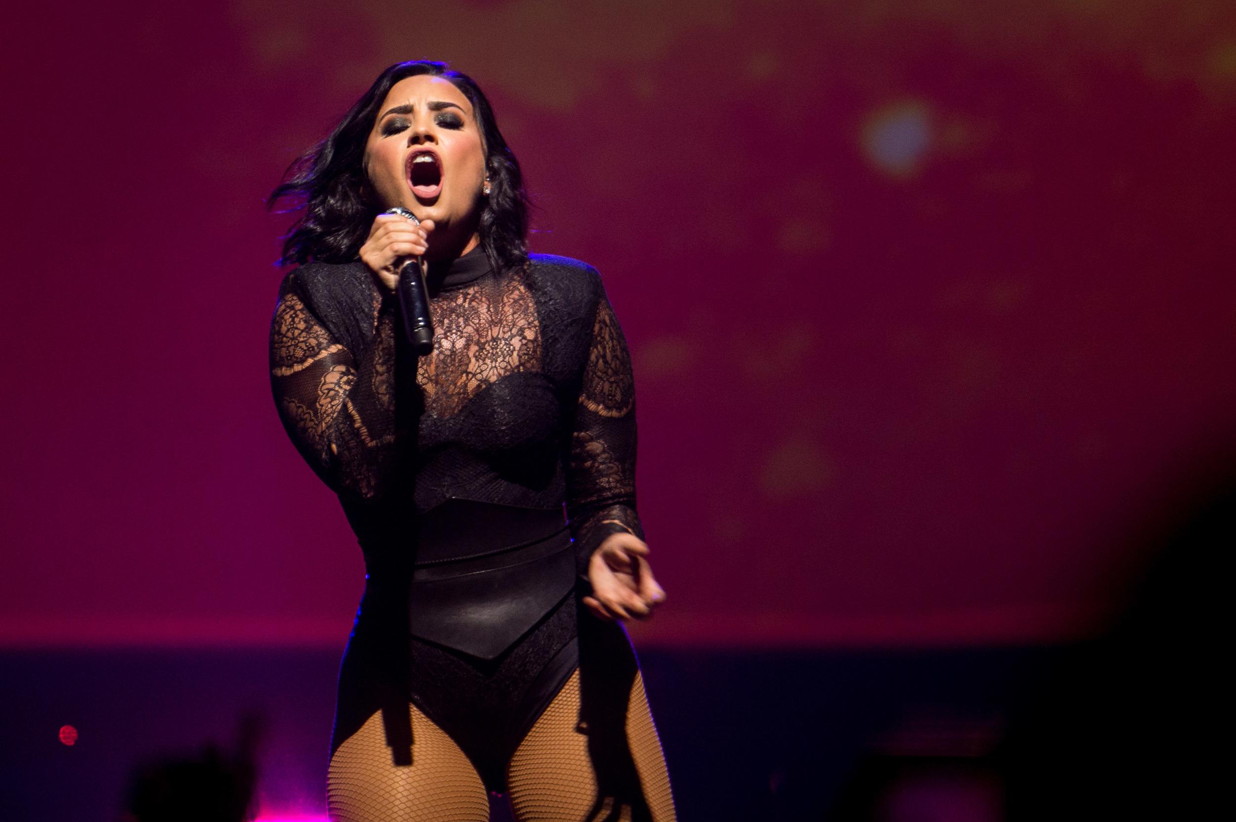 Demi Lovato -16.jpg
