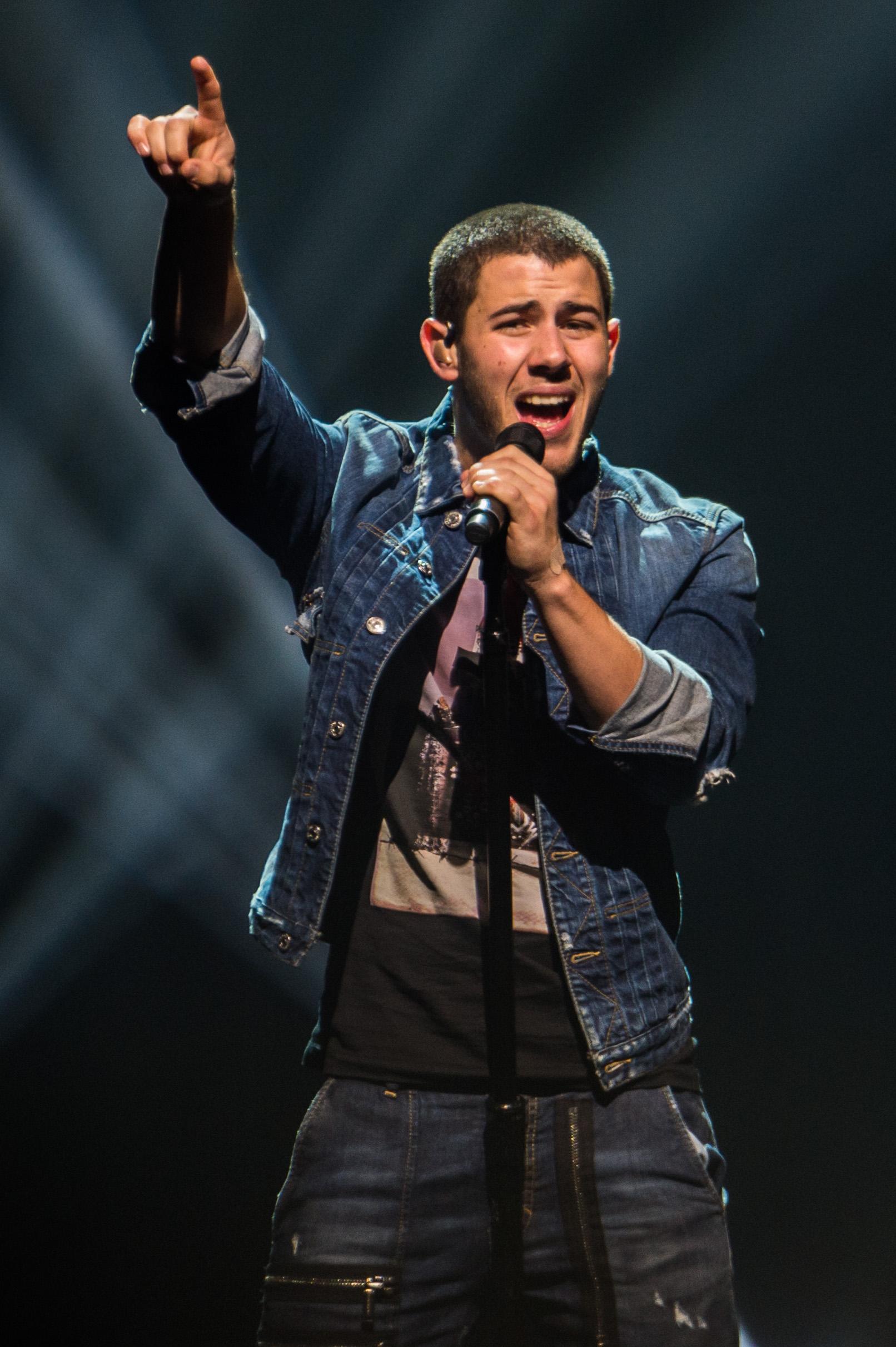 Nick Jonas-4.jpg