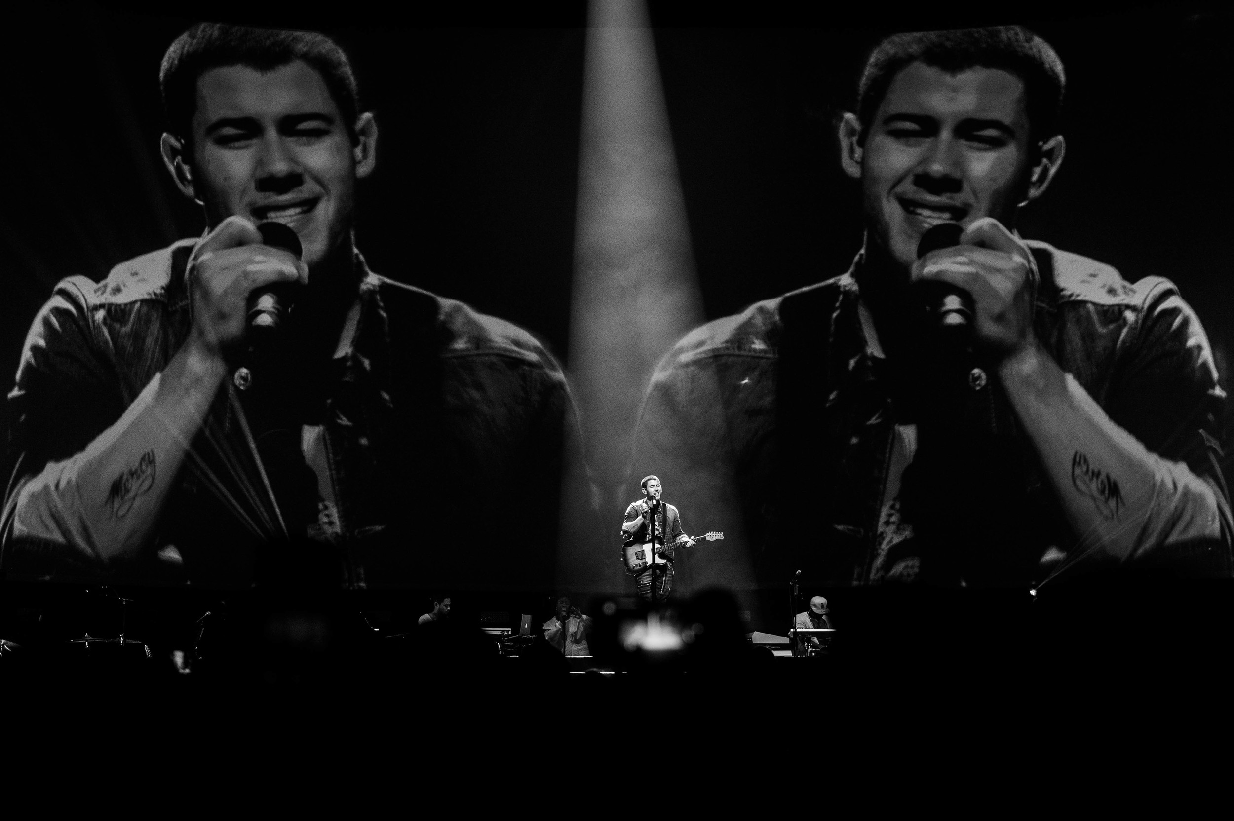 Nick Jonas-14.jpg