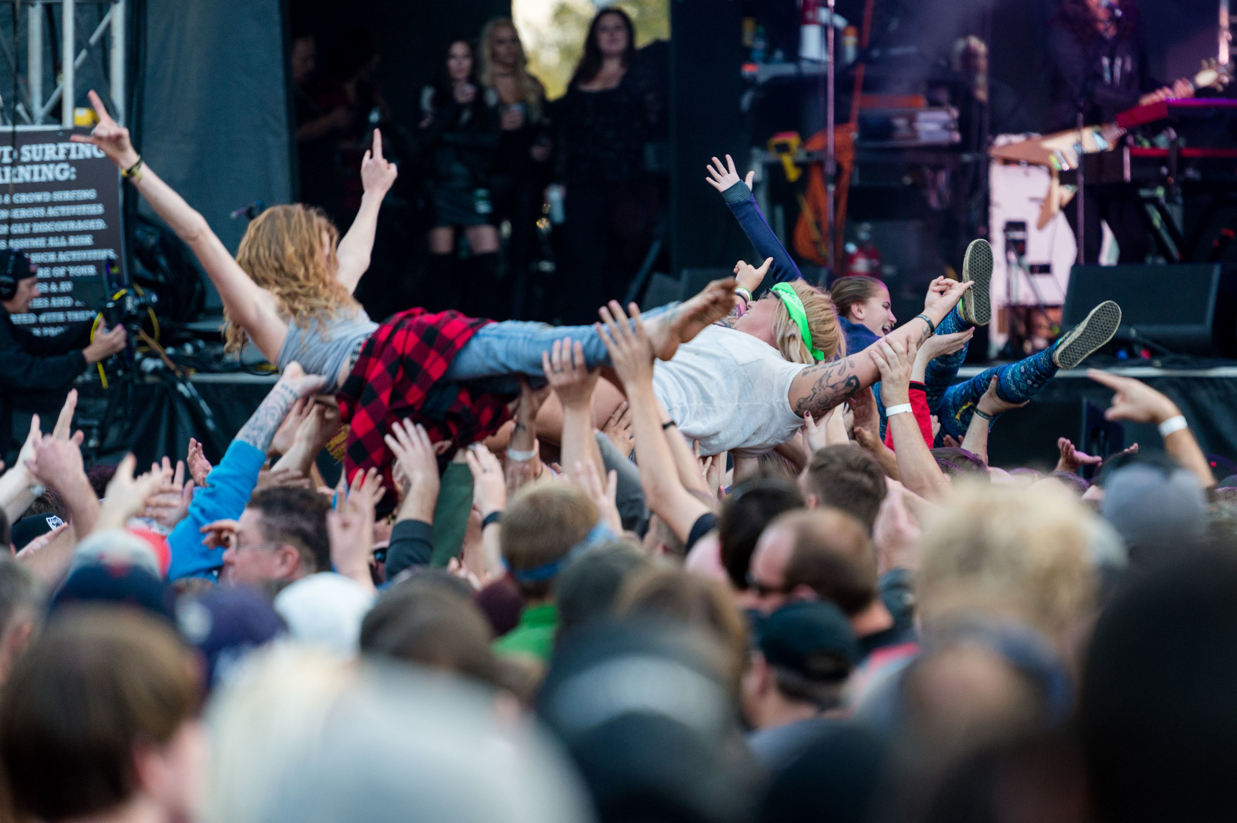 Crowd-23.jpg