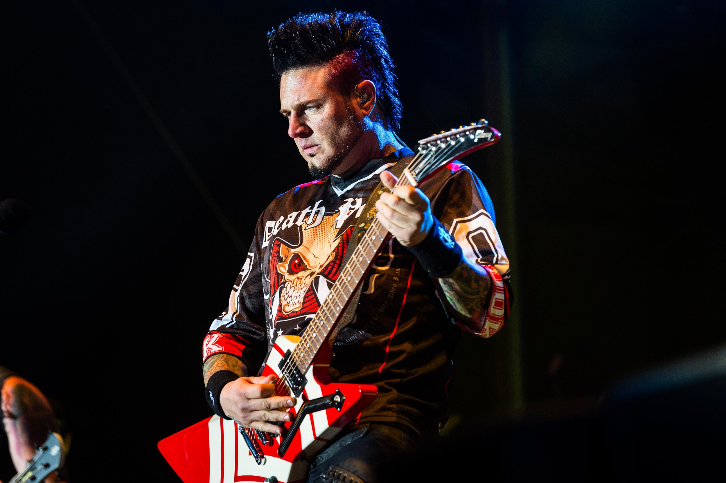 Five Finger Death Punch Sep 30 2017-18.jpg