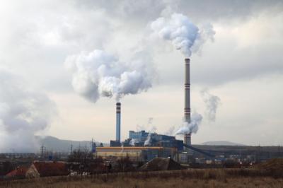 Coal plant pollution.jpg