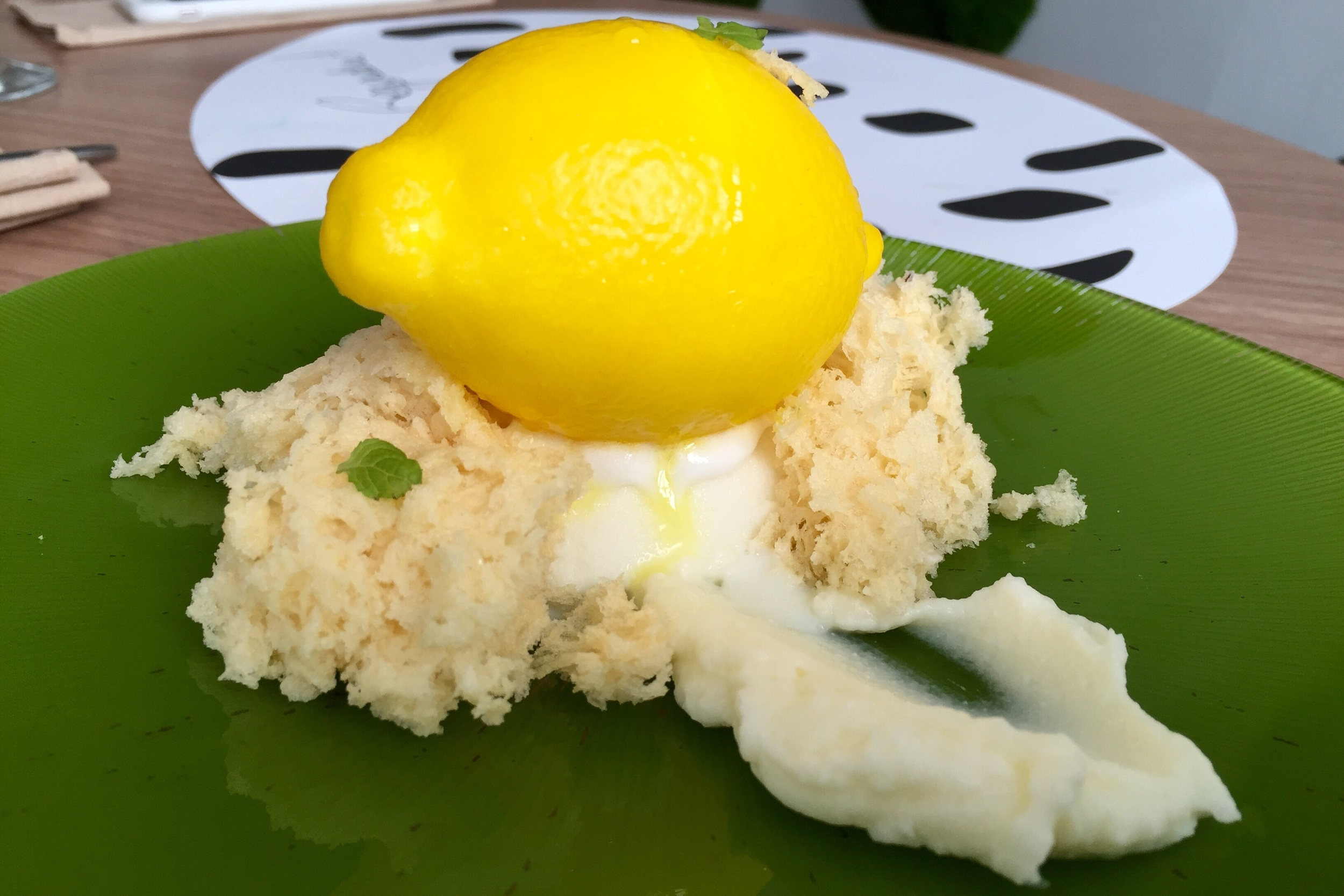 Lemon Drain! Foam, cream, ice cream, sponge cake, and leaves