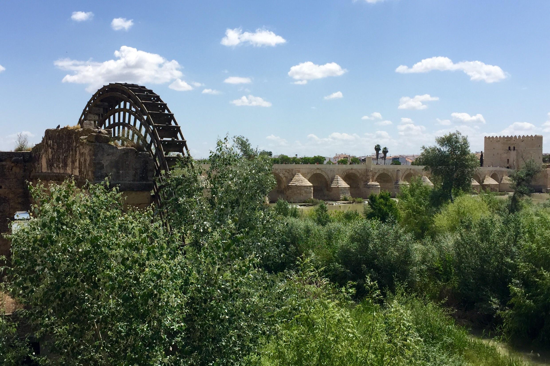 Albolafia mill, water wheel and Roman bridge