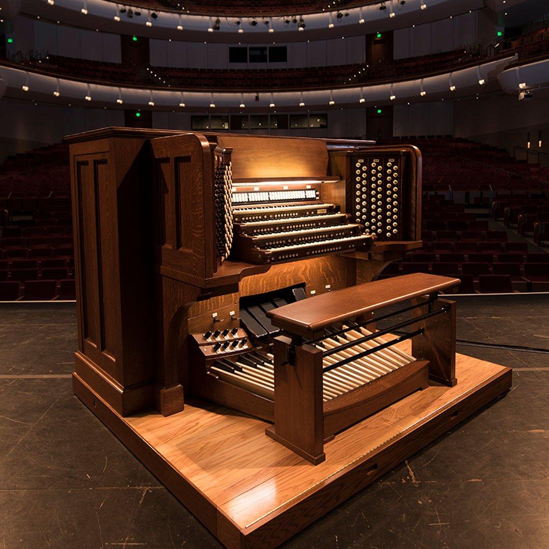 Northrop's Aeolian-Skinner Pipe Organ