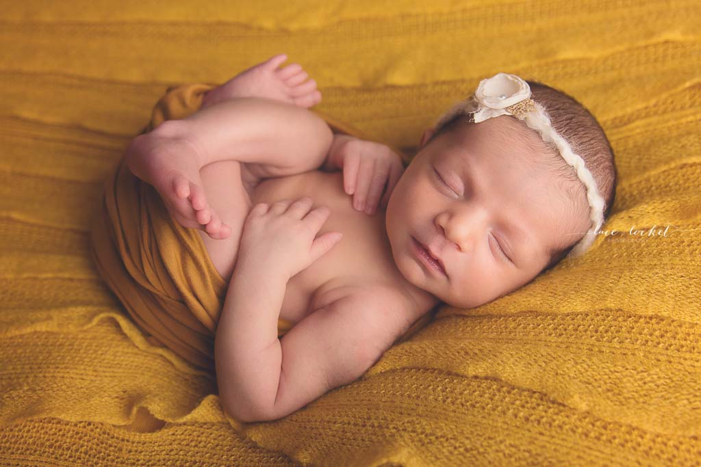 Lace & Locket Photo -Airdrie Newborn Photographer-23.jpg