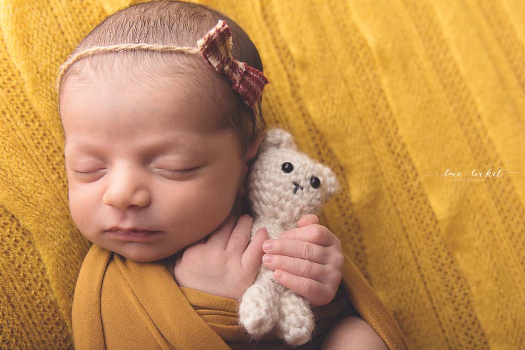 Lace & Locket Photo -Airdrie Newborn Photographer-17.jpg