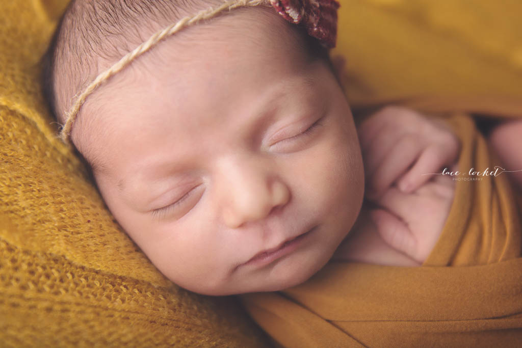 Lace & Locket Photo -Airdrie Newborn Photographer-13.jpg
