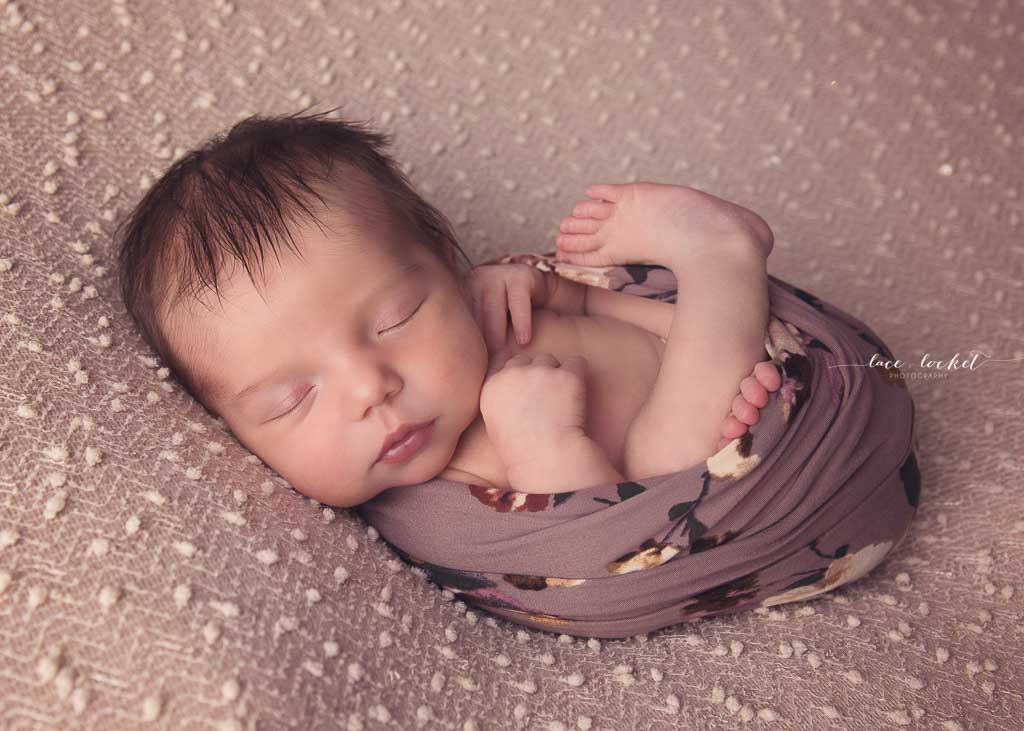 airdrie newborn photographer-lace-and-locket-photo--55.jpg