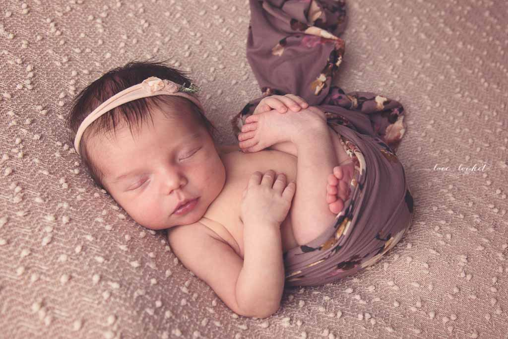 airdrie newborn photographer-lace-and-locket-photo--63.jpg