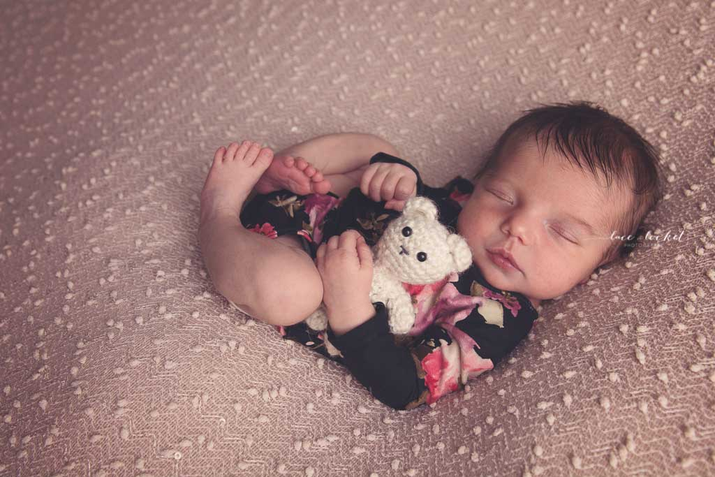airdrie newborn photographer-lace-and-locket-photo--71.jpg
