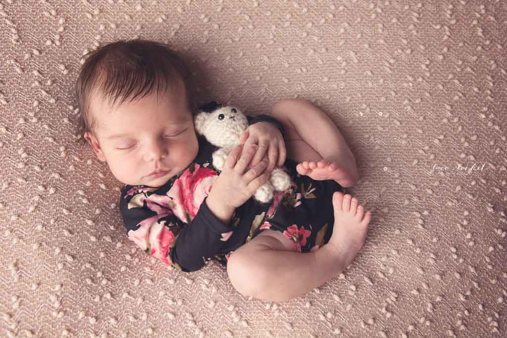 airdrie newborn photographer-lace-and-locket-photo--75.jpg