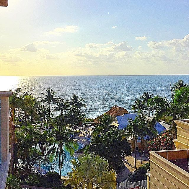 This gloomy NYC Friday morning makes me miss waking up to this!  #miami #keybiscayne #ritz #ritzcarlton #vacation #beach #takemeback #travel #hotel #vacationmode #gloomy #nyc #newyork #rainydays #flashback #home #ocean #sunshine #funinthesun #summer #bachelorette #bridesmaid #bridetobe #engaged #gettingmarried #isaidyes #fbf