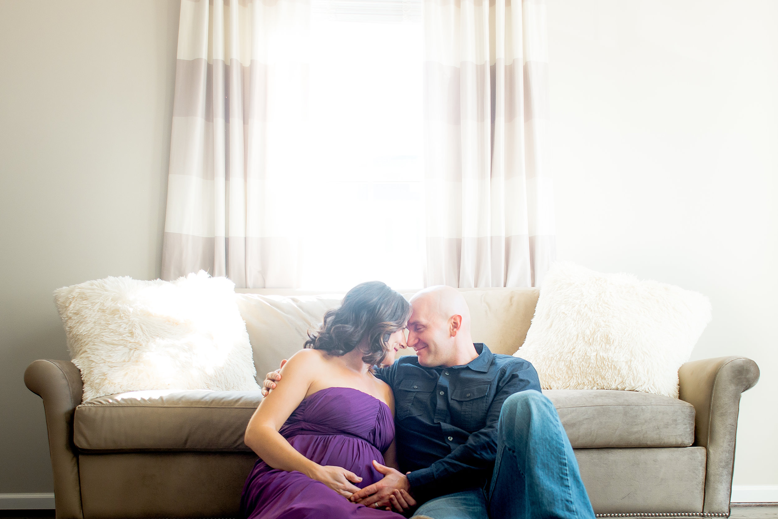 Featured: An Elegant Home Maternity Shoot