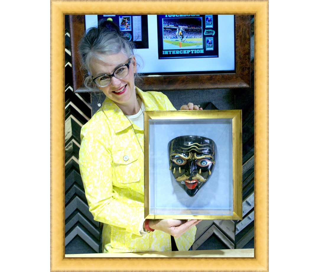 framing shadowbox acrylic box gold frame.jpg
