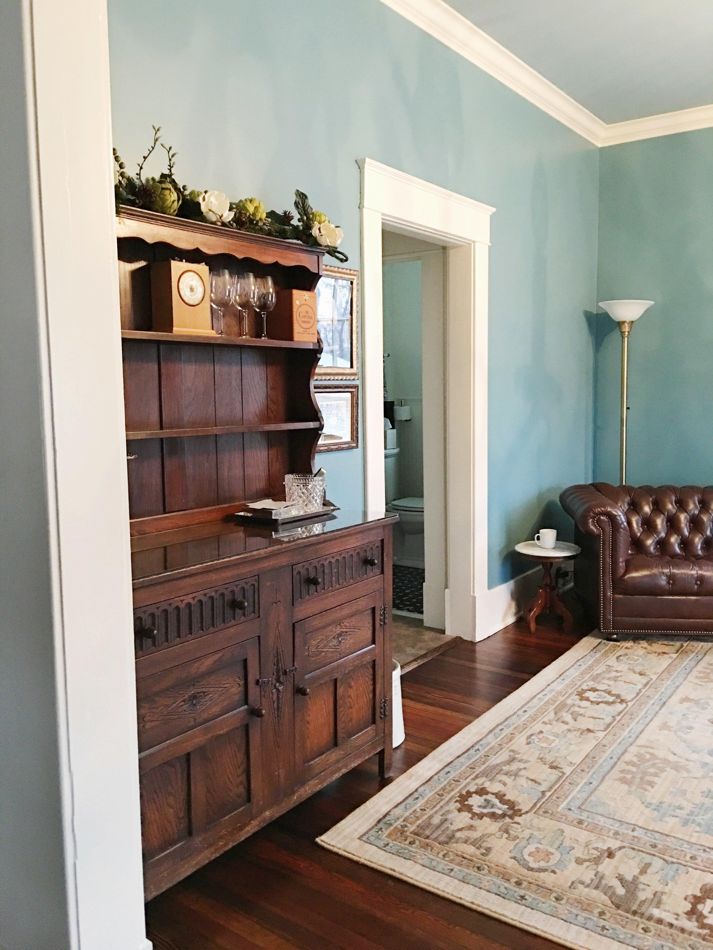 sharpe-house-lounge