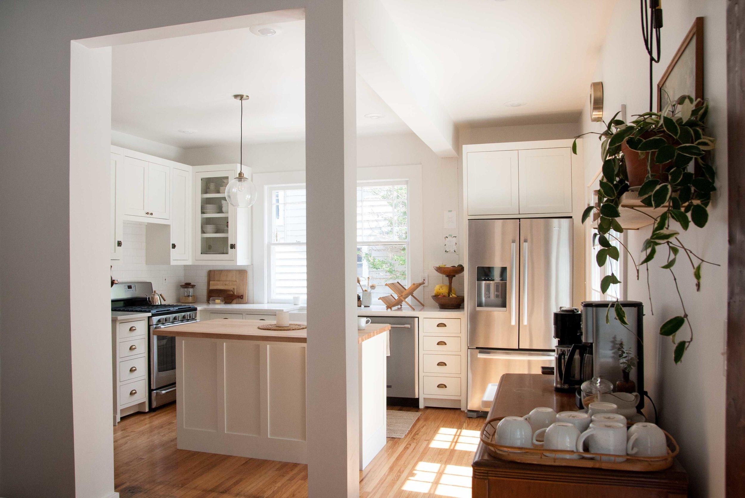 light-bright-earthy-kitchen