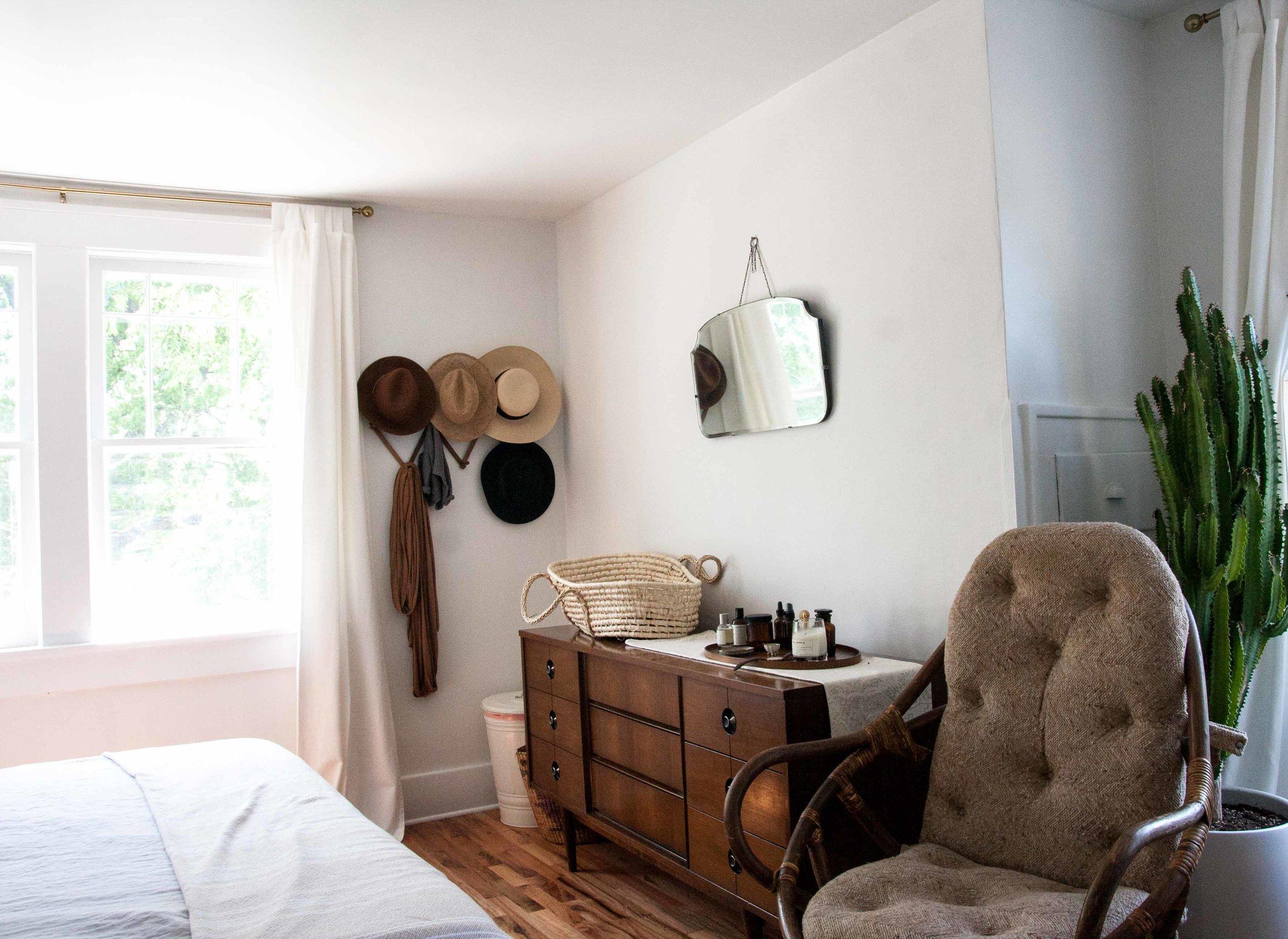 bohemian-modern-vintage-bedroom