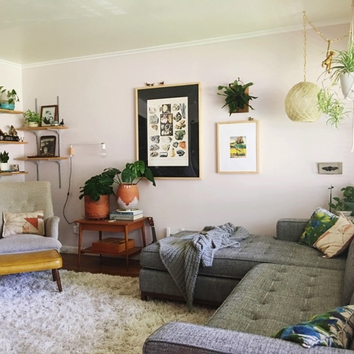 Glitter Guide - Step Inside a Vintage-Obsessed Stylist's Home Full of Unique Treasures