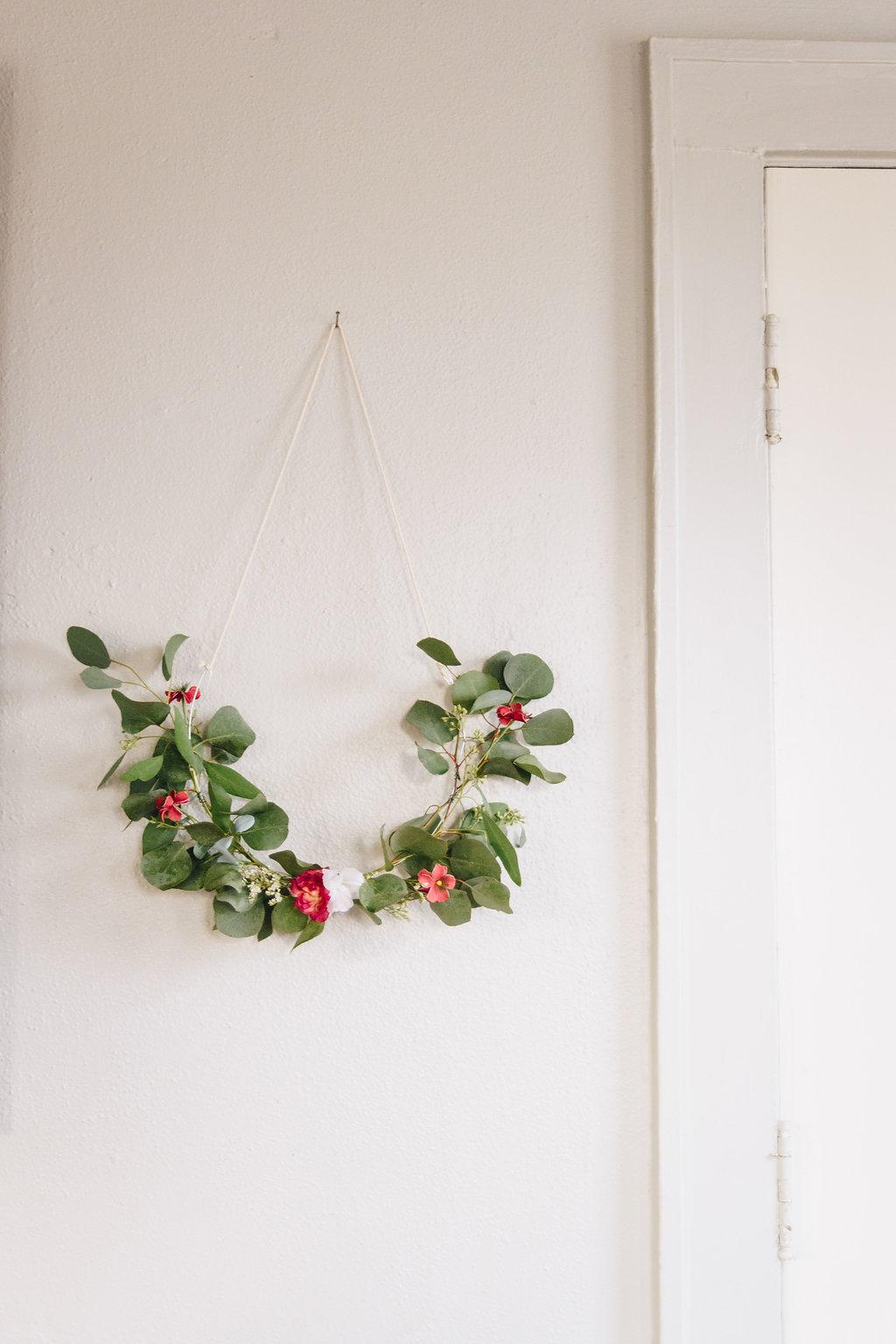 simple floral wreath.jpg