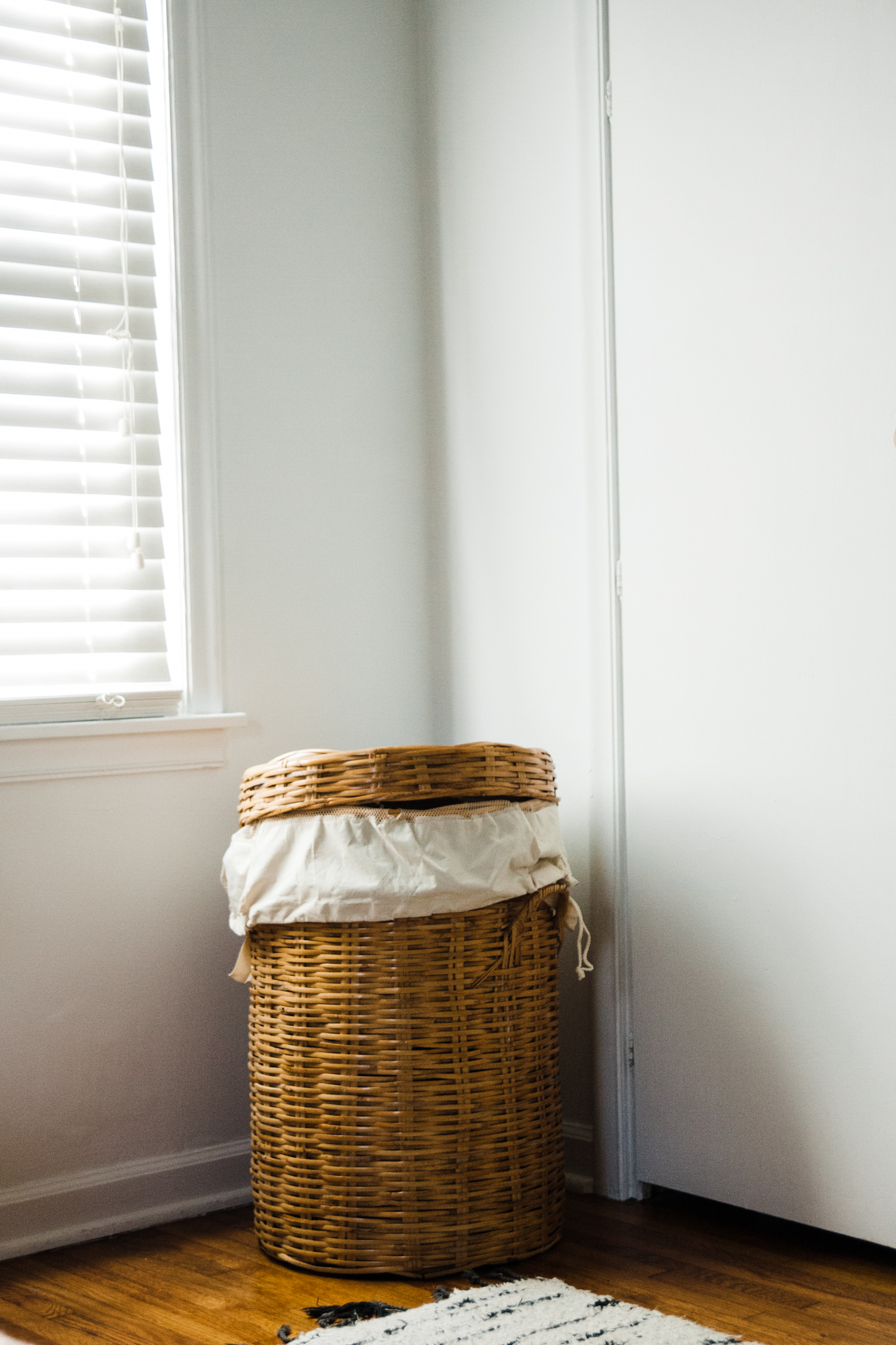 modern minimal bedroom-11.jpg
