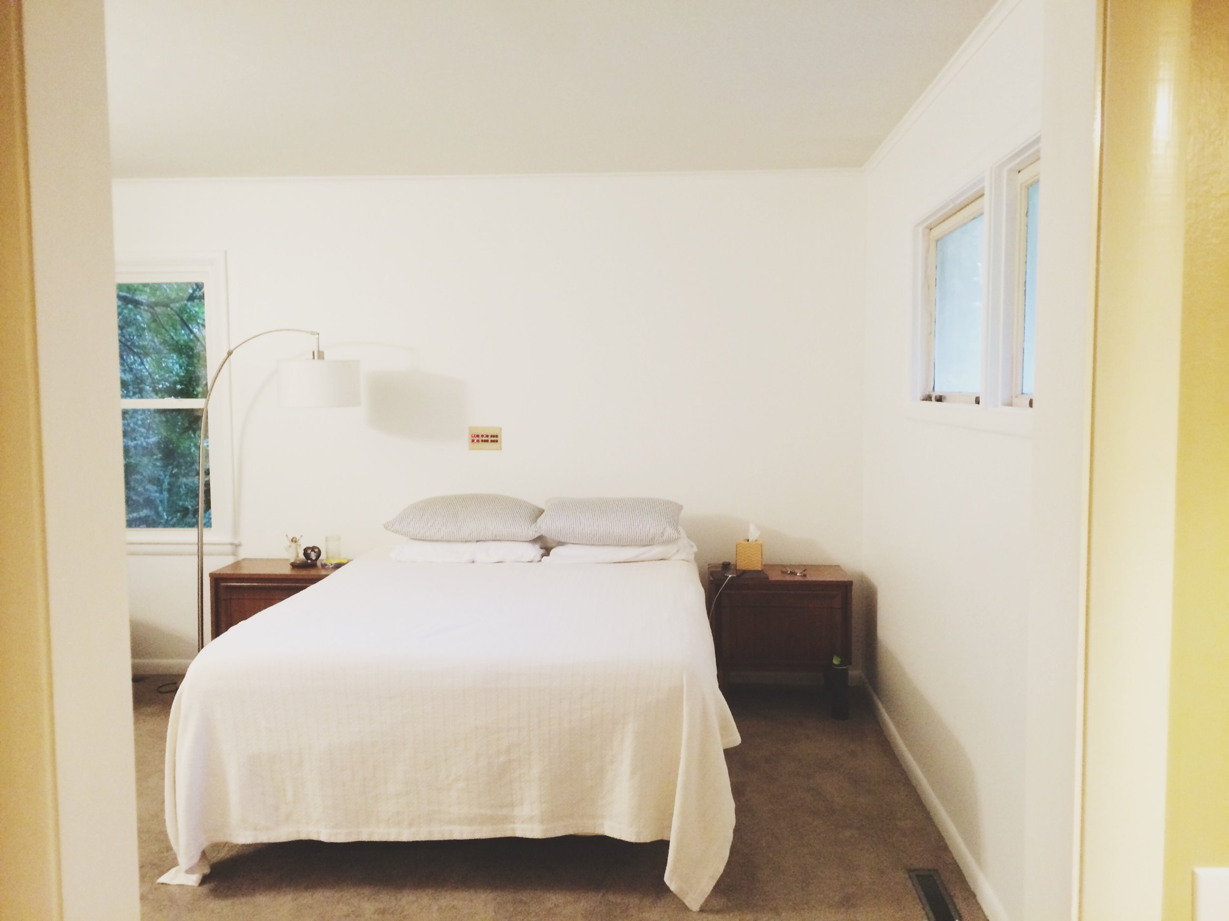 white-bedroom-before