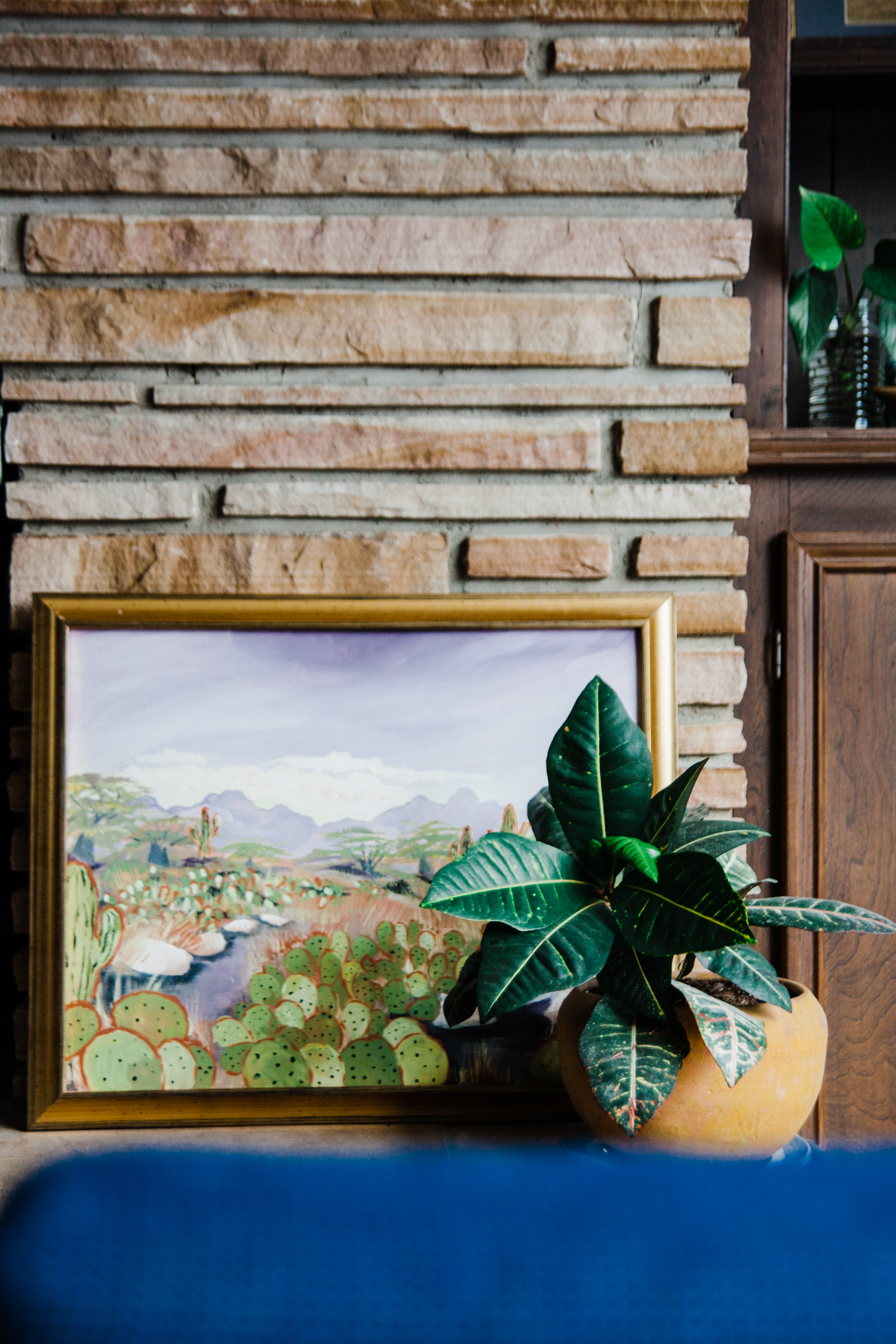 Palmer painted this painting the day she asked me if I'd ever want to own a vintage shop. *hearts* I love how Palmer paired this painting with the yellow pot–beautiful. - Daly