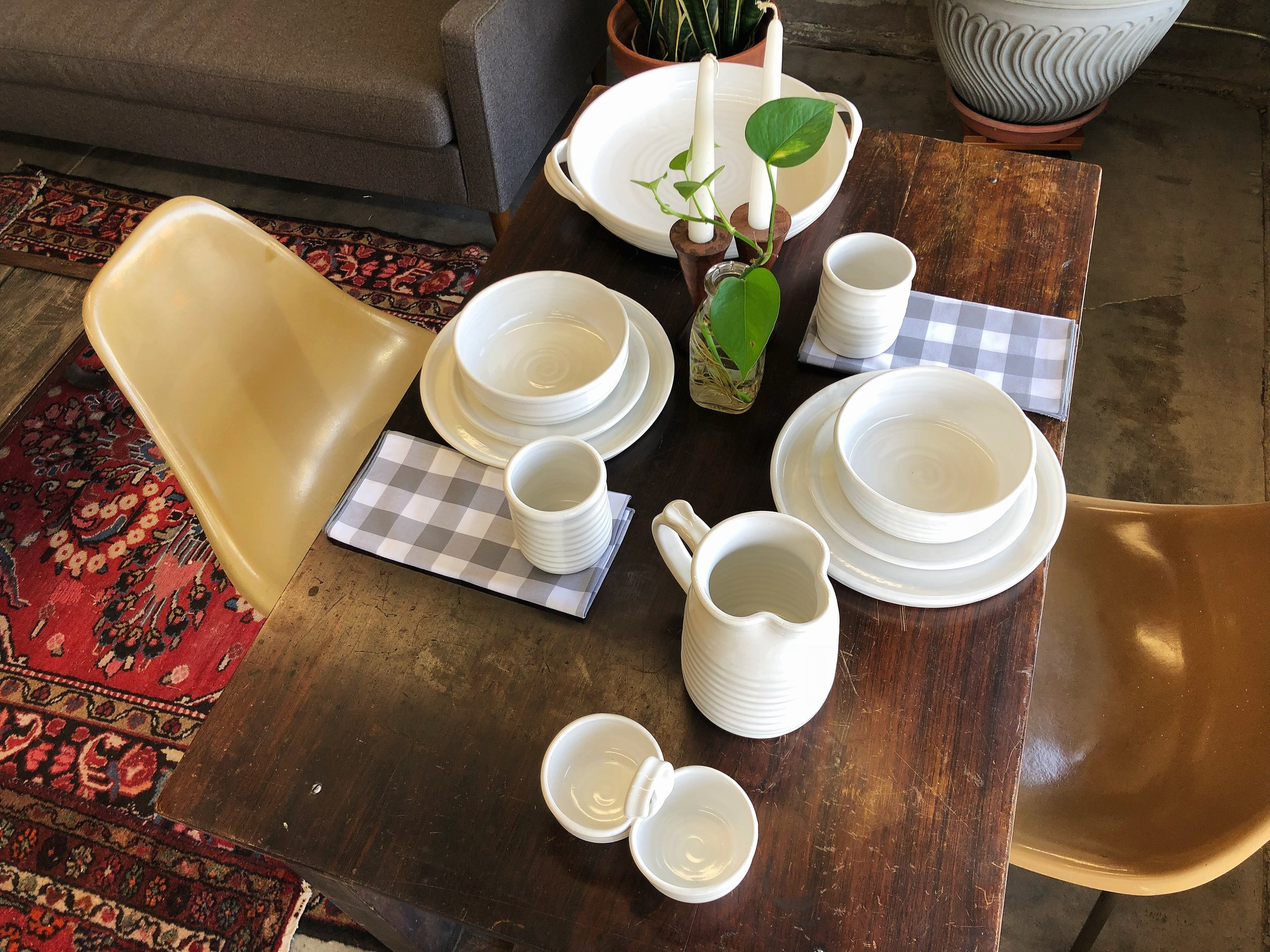 Our pal Kris at  Foxy Pots Pottery  created a new line of dinnerware for local business  Timber and Beam . We captured a few photos of it so we can look at it anytime we want like the creepers we are.