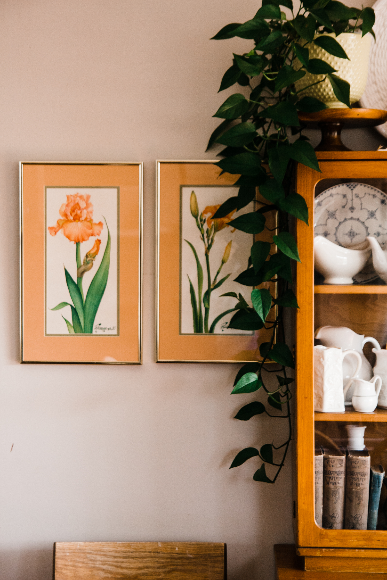 Rachel Galbraith told us she hunts for vintage brass and gold frames    for her home   . She often times thrifts artwork just for the frames.