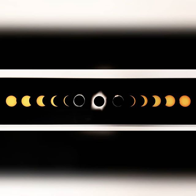 This total eclipse has my heart 🌔🌘🌗🌑🌒🌓🌖 😉💛 #solareclipse #uniquephotography #solarsystem #sunphotography #printyourphotos #everythingspace