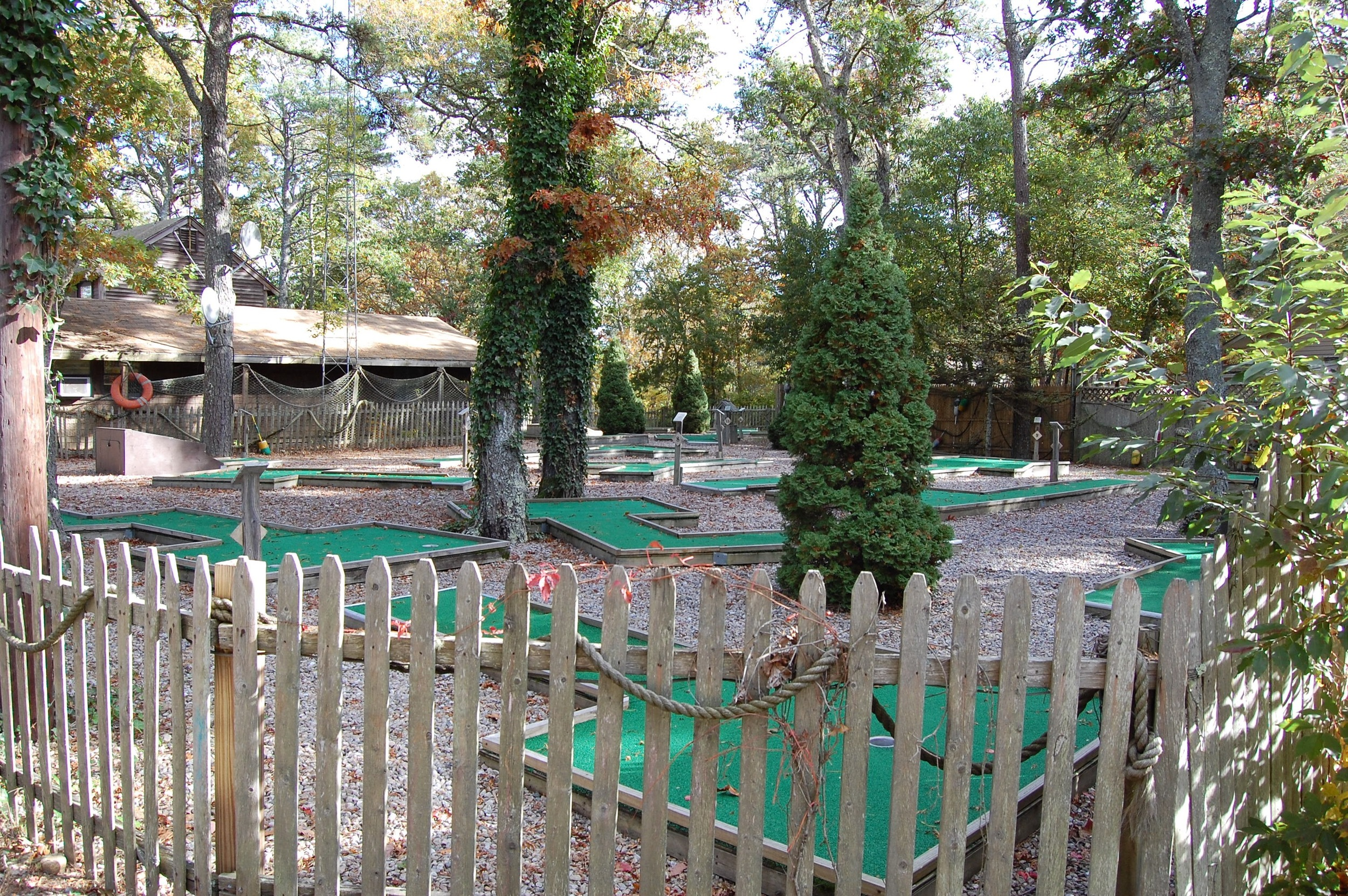 There's even a mini-golf course on the property!