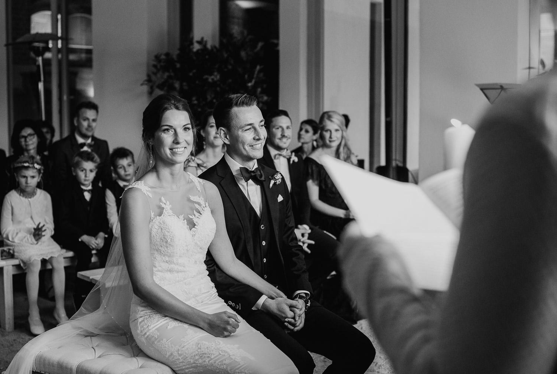 Christina-Hohner_Photography_Hochzeitslocation_Magical-Homes_Heroldstatt-37-von-65.jpg