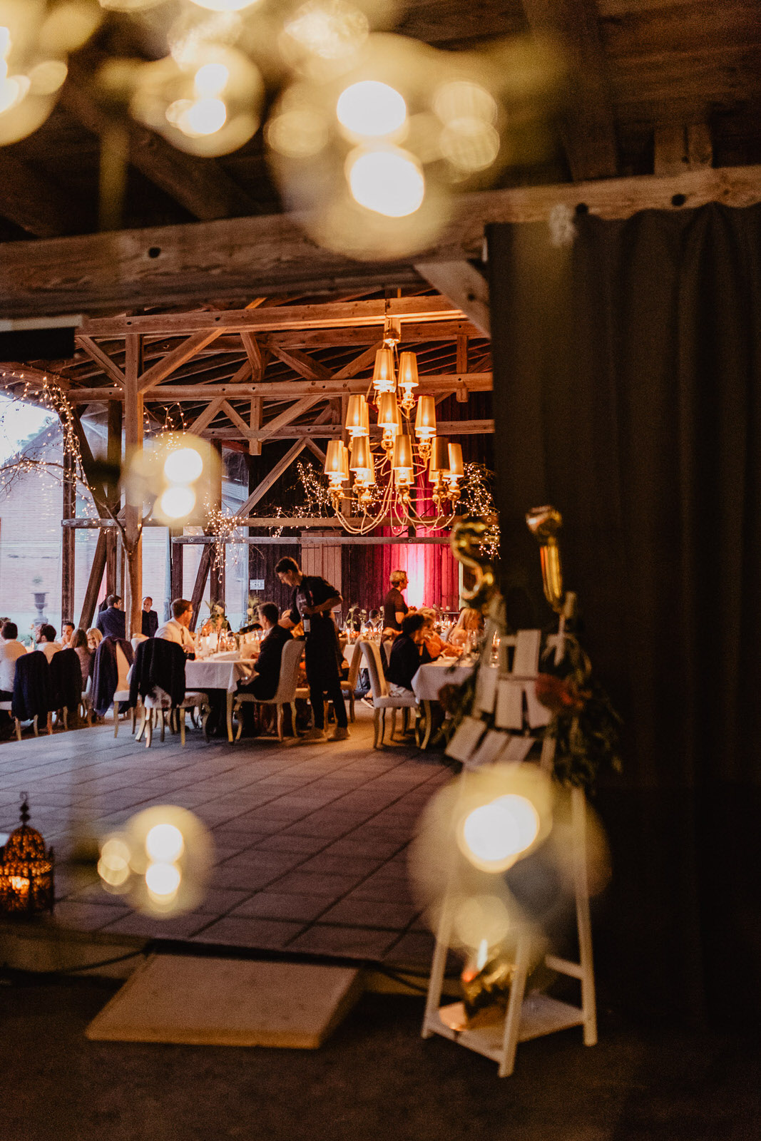 Christina-Hohner_Photography_Hochzeitslocation_Magical-Homes_Heroldstatt-59-von-65.jpg