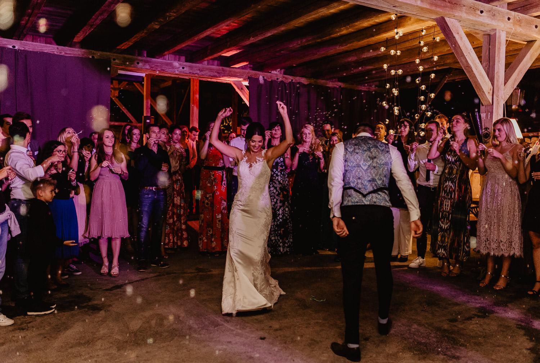 Christina-Hohner_Photography_Hochzeitslocation_Magical-Homes_Heroldstatt-62-von-65.jpg