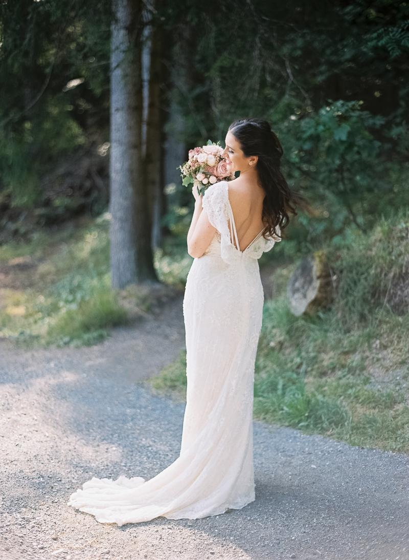 flims-hochzeit-brautkleid-bridalgown-luuniq-swiss-photographer.jpg