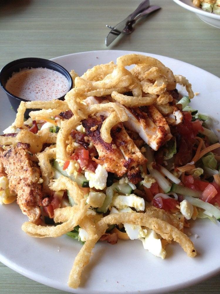 Razzoo's Delicious Chopped Salad!
