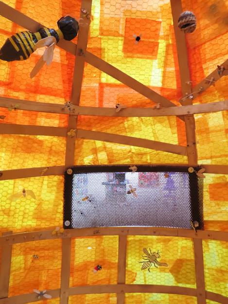 HAYGROUND BEE EXHIBITION.201400003.jpg