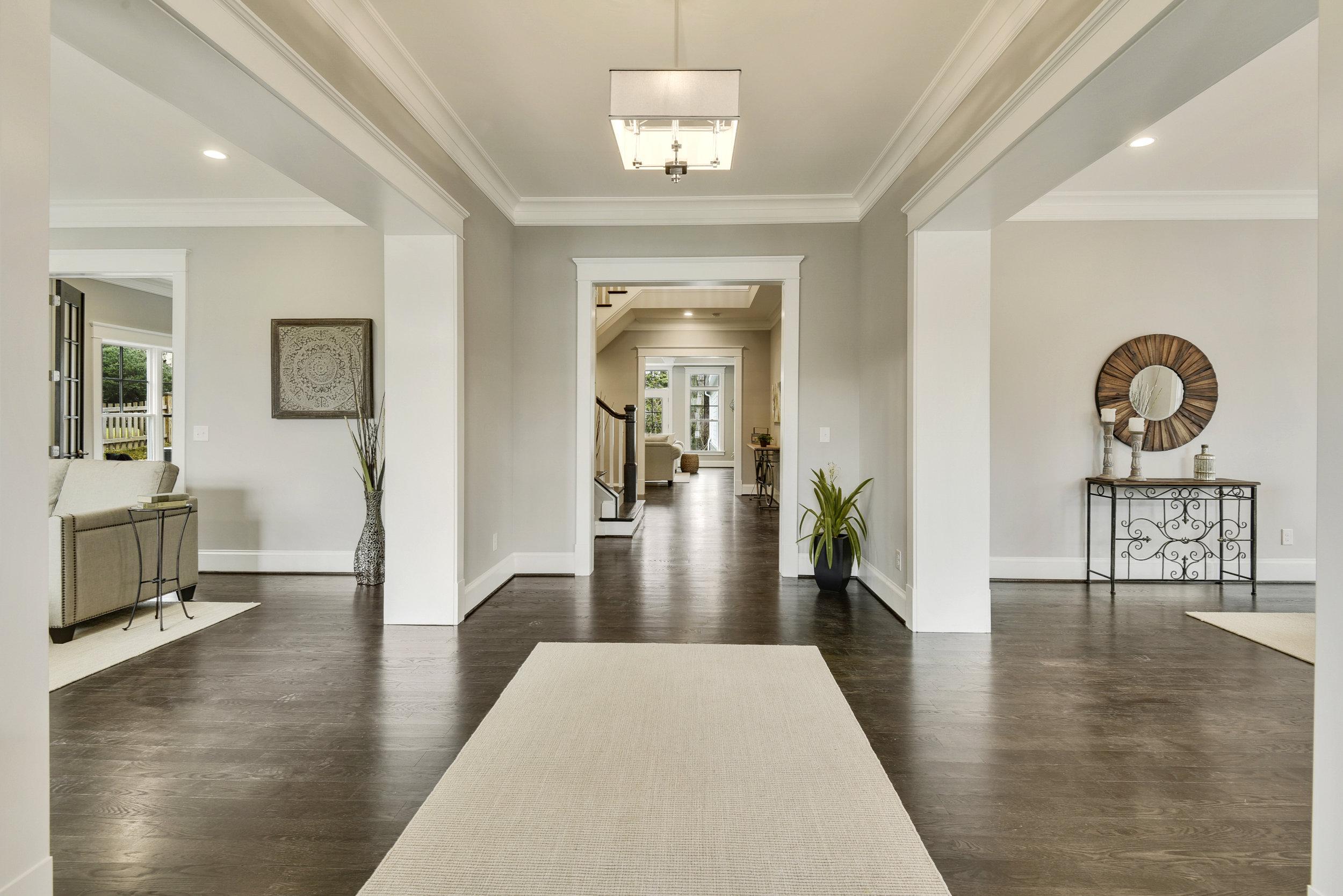 Main Level-Foyer-_DSC9645.JPG