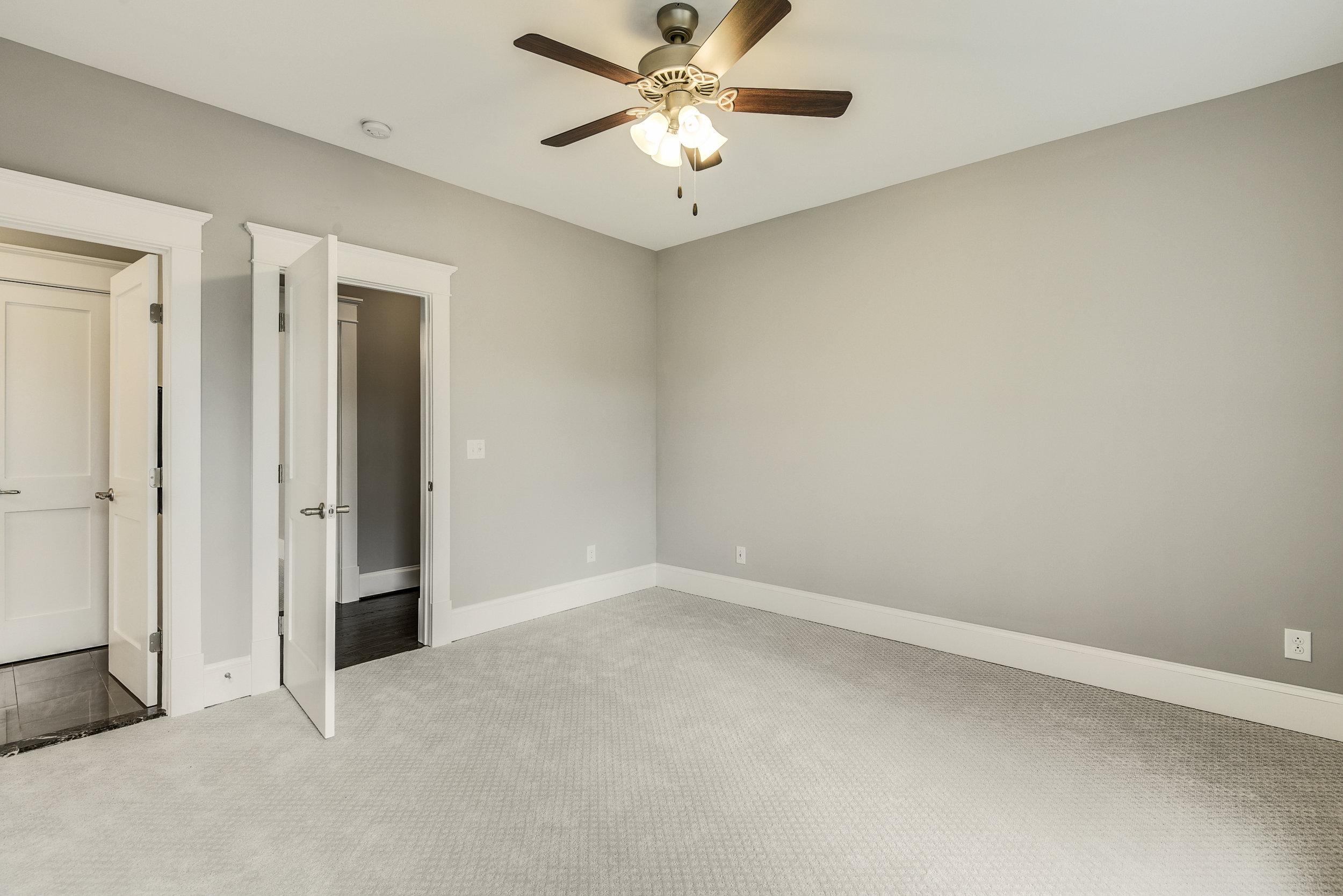 Upper Level-Bedroom-_DSC9445.JPG